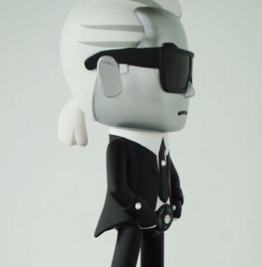 karl lagerfeld figurine