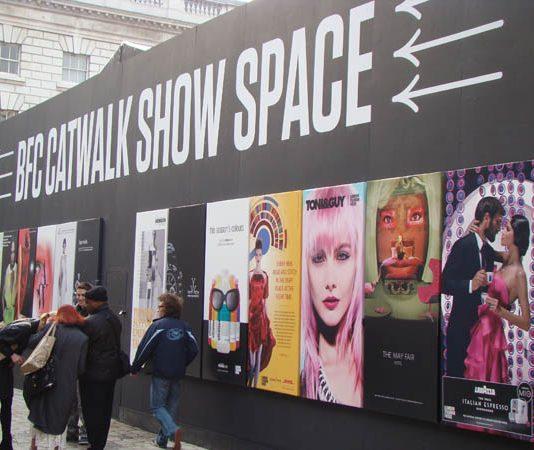 fashion week londres catwalk show