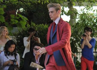 arnys-costume-rouge