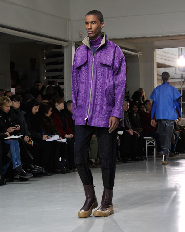issey-miyake-automne-hiver-2013-2014-mauve