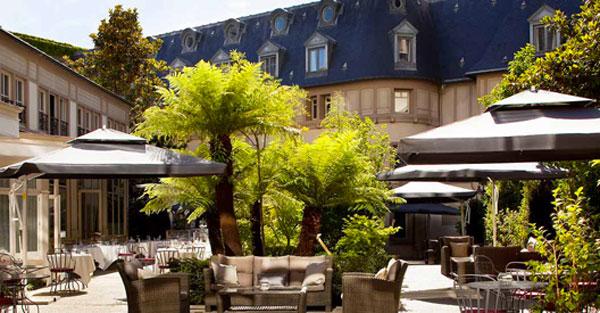 hotel renaissance paris le parc trocad ro en mode terrasse. Black Bedroom Furniture Sets. Home Design Ideas
