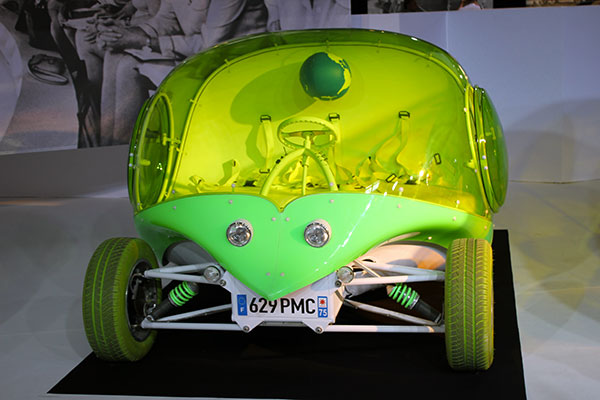 voiture-courreges-martien