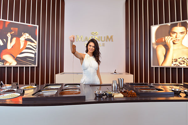 kendall-jenner-magnum-glace