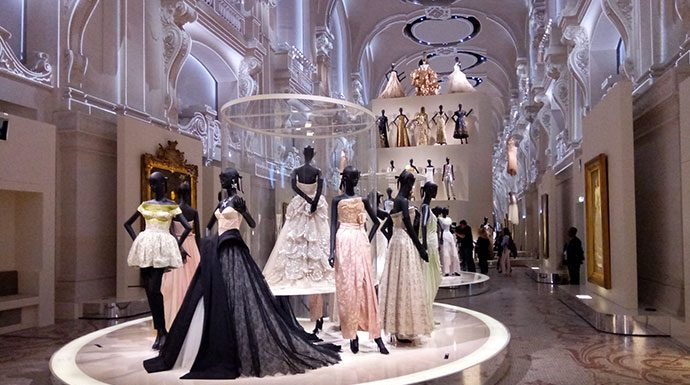 christian-dior-exposition-arts-decoratifs