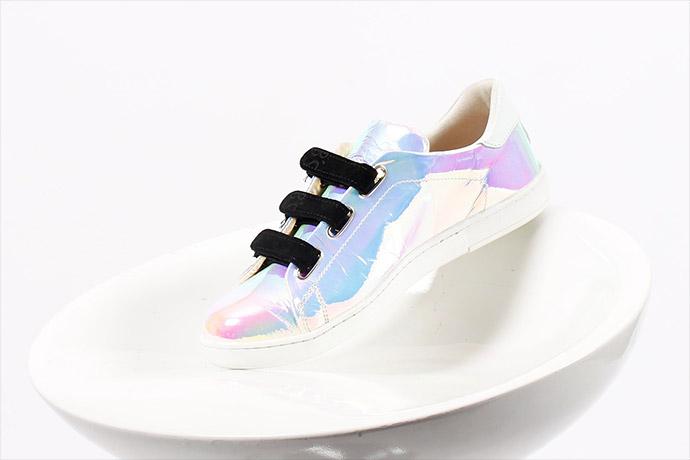 bardan-sneaker-scratch